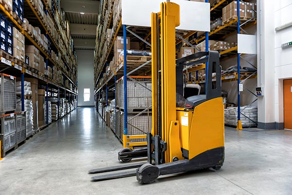 Forklift in a spotless, clean warehouse/distribution center